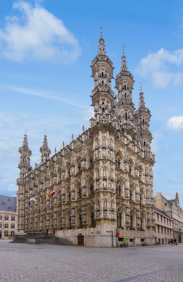 Здание муниципалитет лёвена, Бельгия стоковые фото