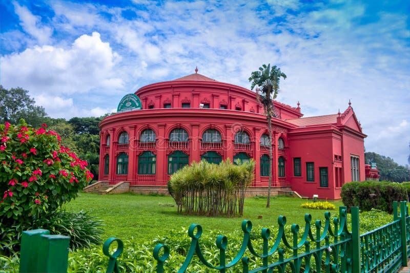 Здание наследия центральной библиотеки положения в парке Бангалора Cubbon стоковое изображение