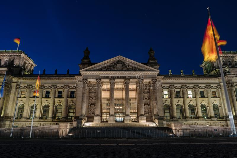 Здание на ноче, Берлин Германия Reichstag немца стоковые фото