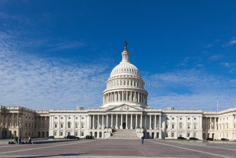 Здание США капитолия Капитолий Соединенных Штатов на дне Конгресс Соединенных Штатов Восточный фронт на дне DC Вашингтона стоковые изображения