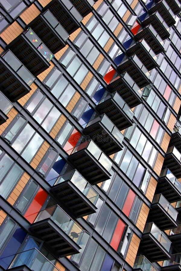Здание с балконами стоковая фотография