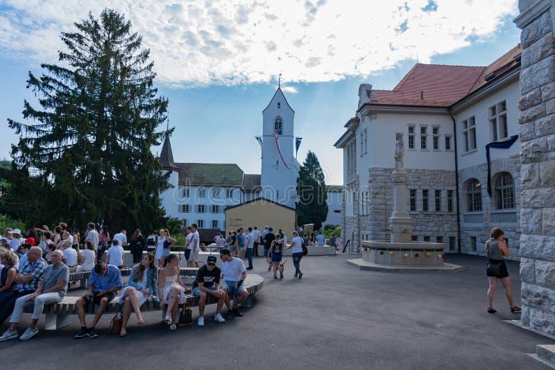 Здание школы церков и Stapfer на Jugendfest Brugg Impressionen стоковая фотография rf