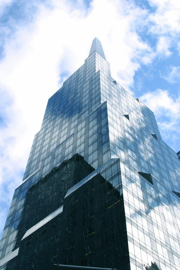 Download здание стоковое фото. изображение насчитывающей ново, корпорация - 487938