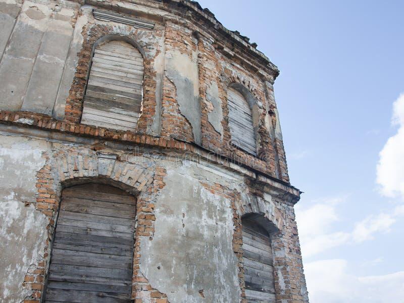 здание dilapidated старо стоковые изображения