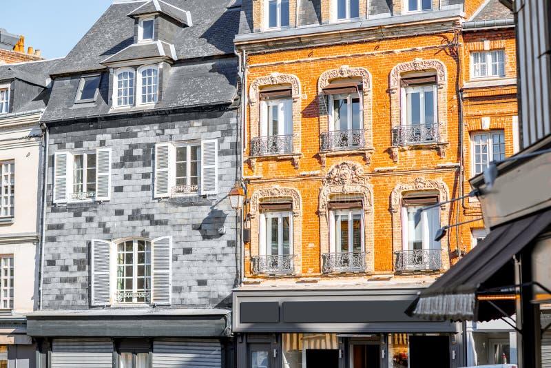 Здания в Honfleur во Франции стоковые фотографии rf