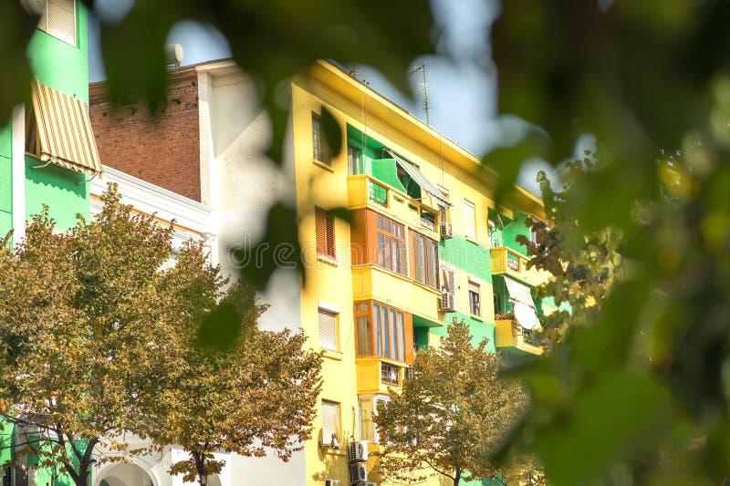 Здания коммунизма в Тиране стоковые изображения rf