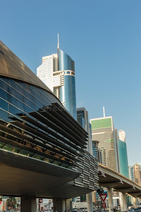 здания самомоднейшие Дубай был самым быстрым превращаясь городом в w стоковые изображения rf