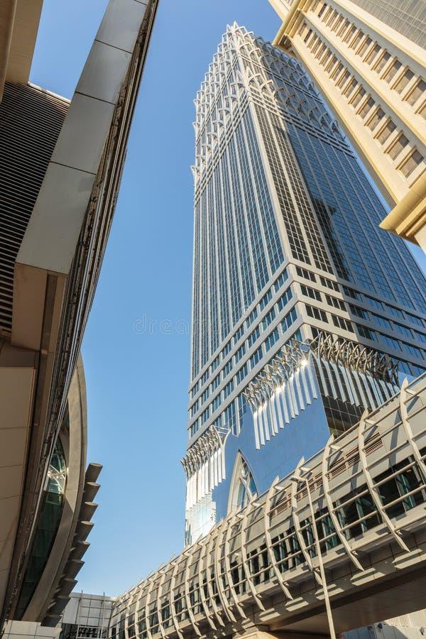 здания самомоднейшие Дубай был самым быстрым превращаясь городом в w стоковые фотографии rf