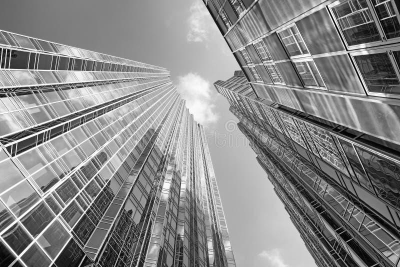 Здания с отражением в финансовом городском районе в Питтсбург, Пенсильвании, США стоковое фото rf
