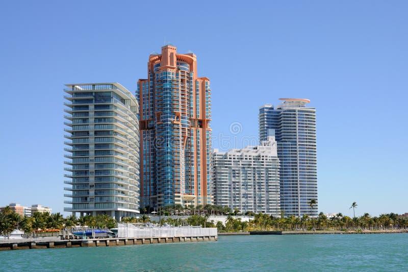 здания miami пляжа квартиры стоковое изображение