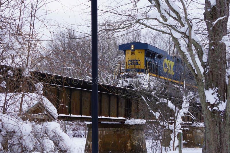 Здесь приходит поезд в новом Ричмонде, MI стоковое изображение