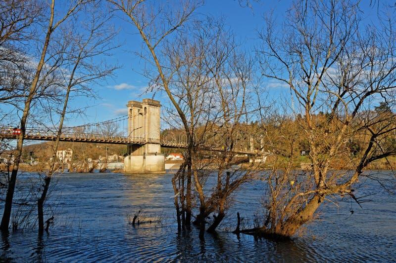 Здесь приходит поток на Saone River стоковое фото rf