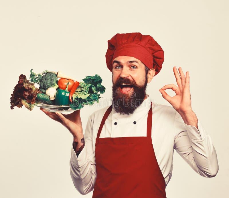 Здоровая концепция питания и кухни Кашевар с улыбкой стоковые изображения