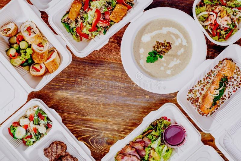 Здоровая поставка еды Взятие прочь для диеты стоковая фотография rf