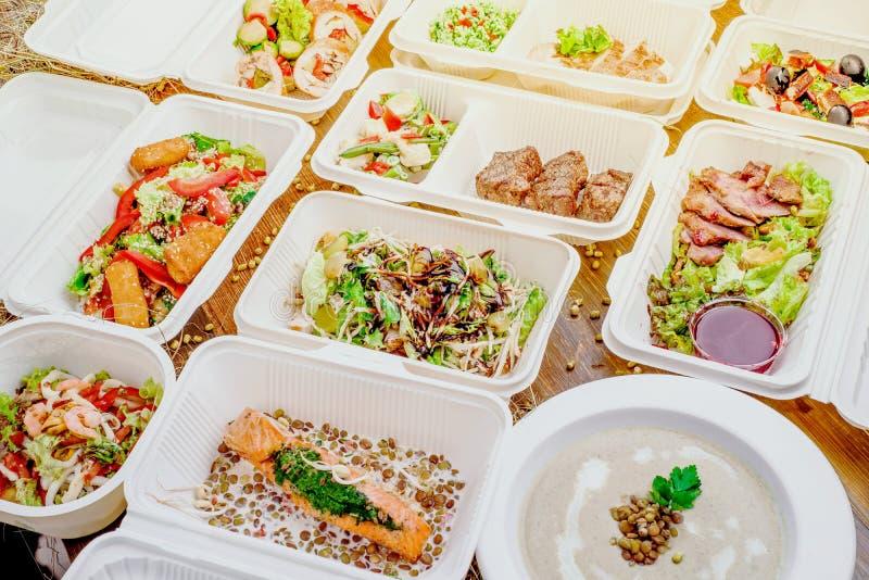 Здоровая поставка еды Взятие прочь для диеты стоковые изображения rf