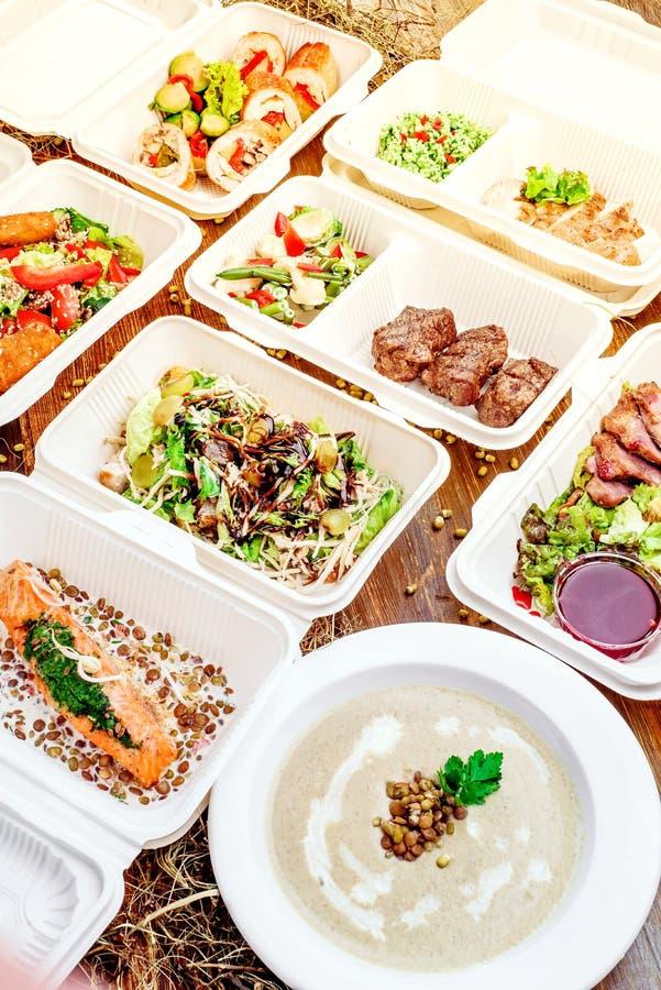 Здоровая поставка еды Взятие прочь для диеты стоковые фотографии rf
