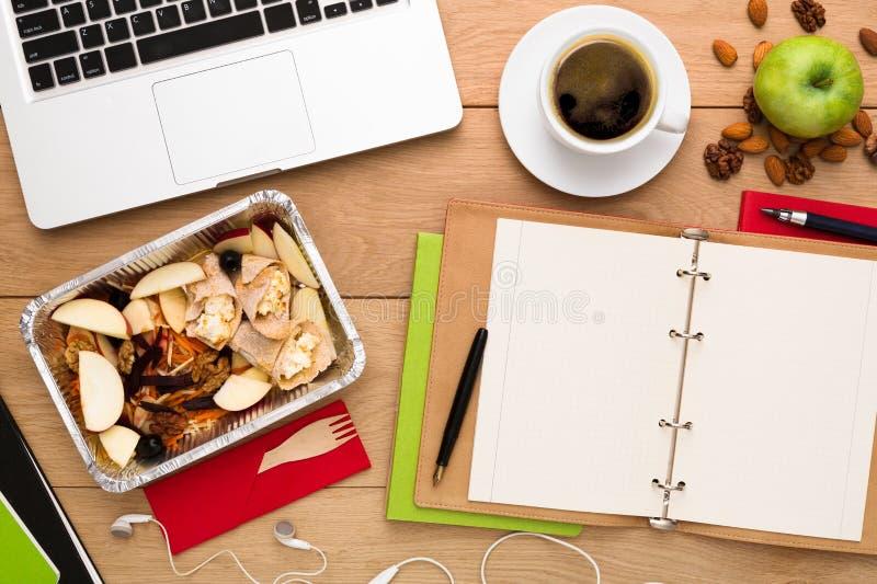 Здоровая поставка еды, коробка для завтрака с едой диеты стоковая фотография