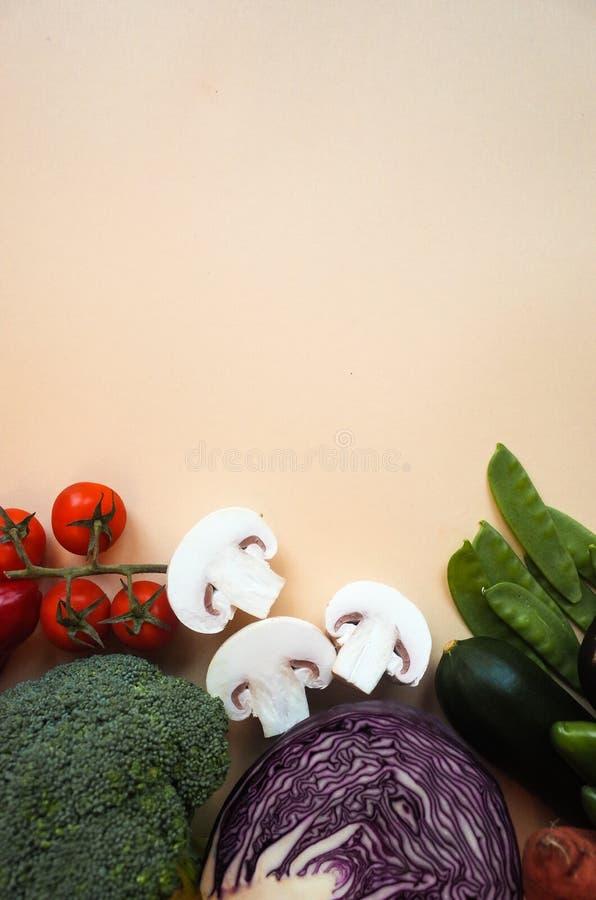 Здоровая предпосылка еды Предпосылка цвета овощей фотографии еды различная скопируйте космос стоковое фото
