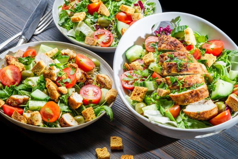 Здоровое диетпитание построенное на салате основы стоковые изображения