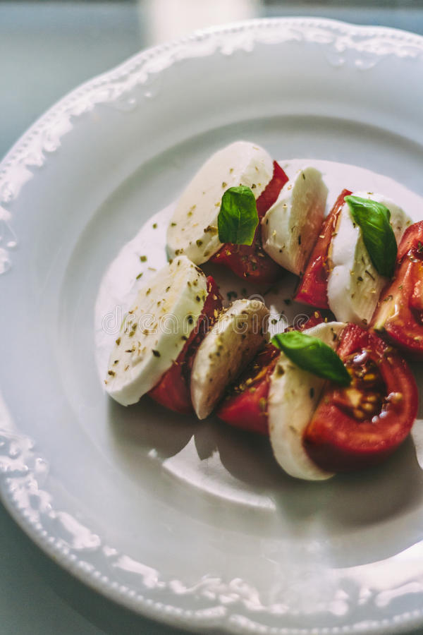 Здоровый салат Caprese стоковое фото
