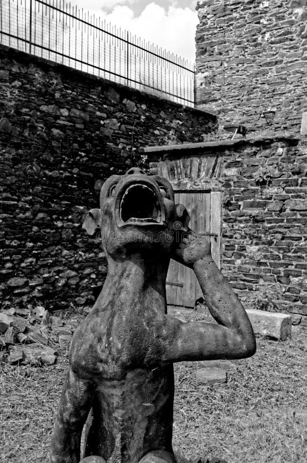 Зевая статуя животного стоковые изображения rf