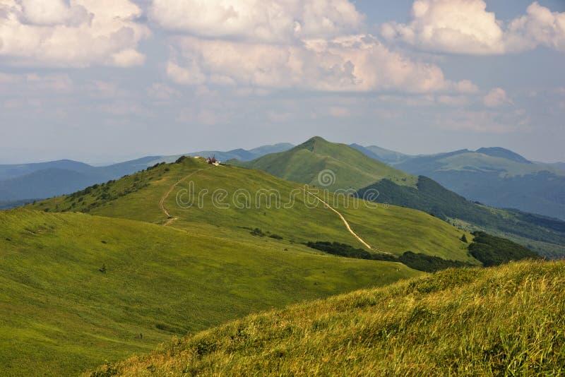 зеленая гора стоковые фотографии rf