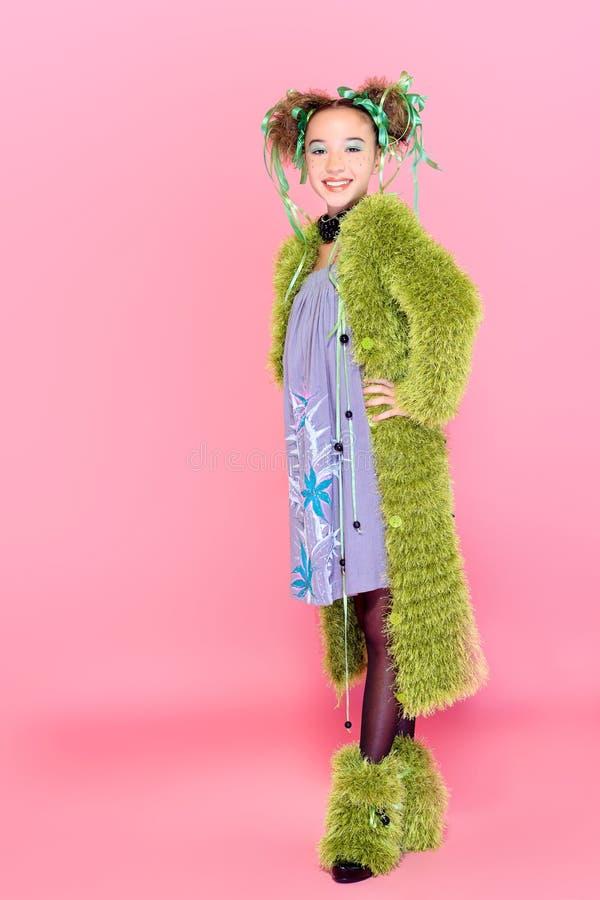 Зеленое пальто стоковые фотографии rf