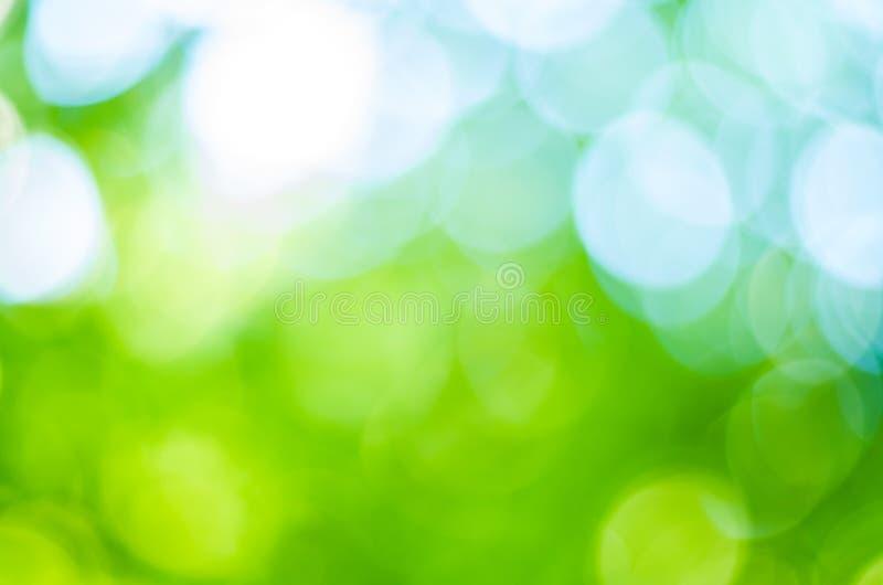Зеленое bokeh листает круги, круги стоковые изображения