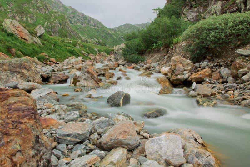 зеленый водопад природы стоковое изображение rf