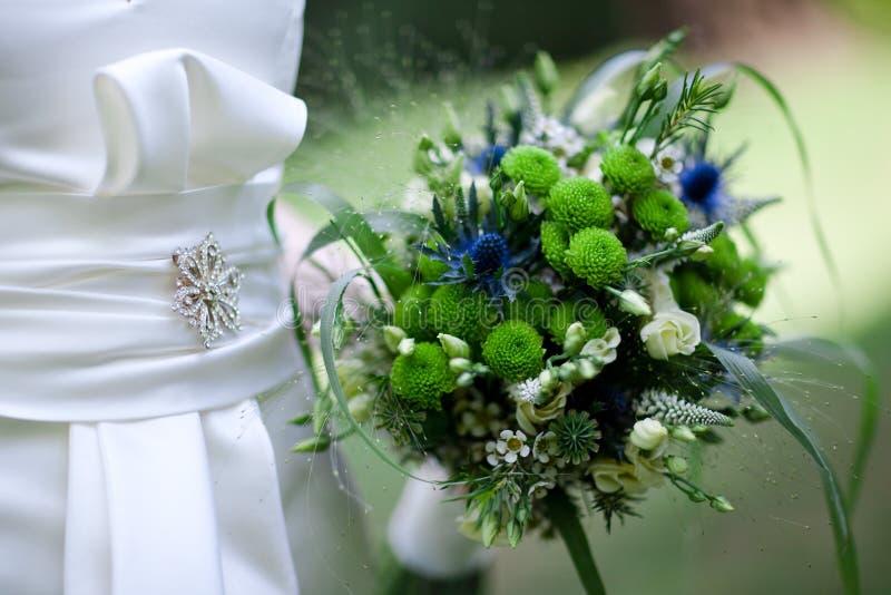Зеленый голубой букет - свадьба летом стоковое изображение rf