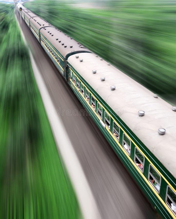 зеленый поезд стоковая фотография rf