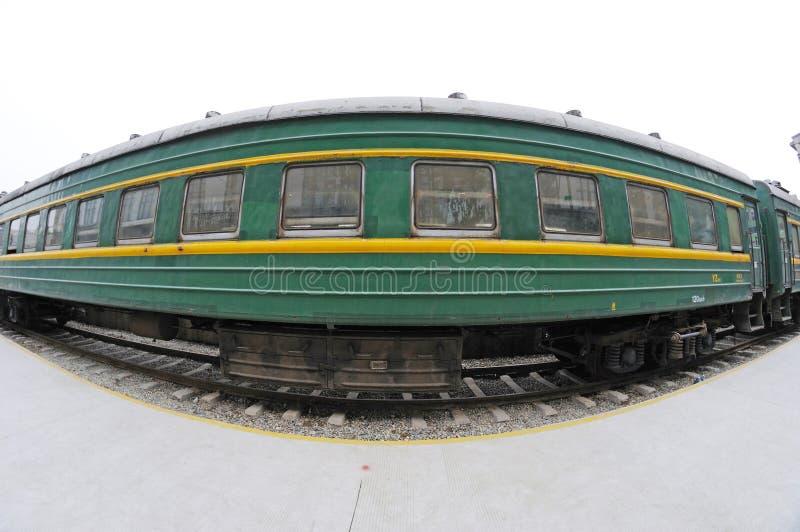 зеленый поезд стоковые фотографии rf