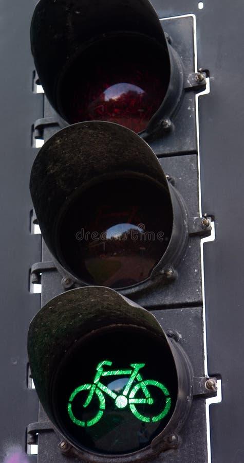 зеленый свет велосипеда стоковая фотография