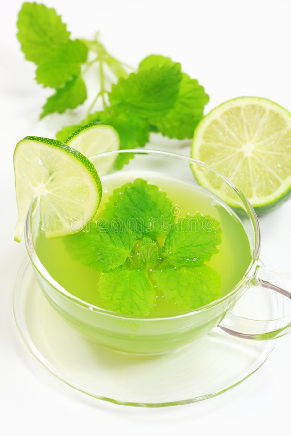 зеленый травяной чай стоковое изображение rf