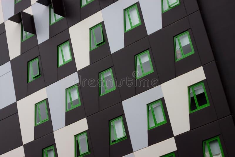 зеленый цвет eco жилого здания стоковая фотография