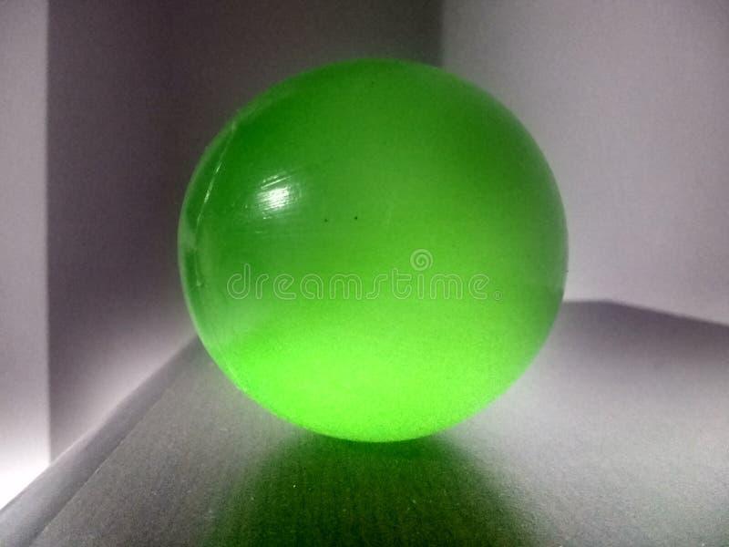 Зеленый шарик стоковое изображение rf