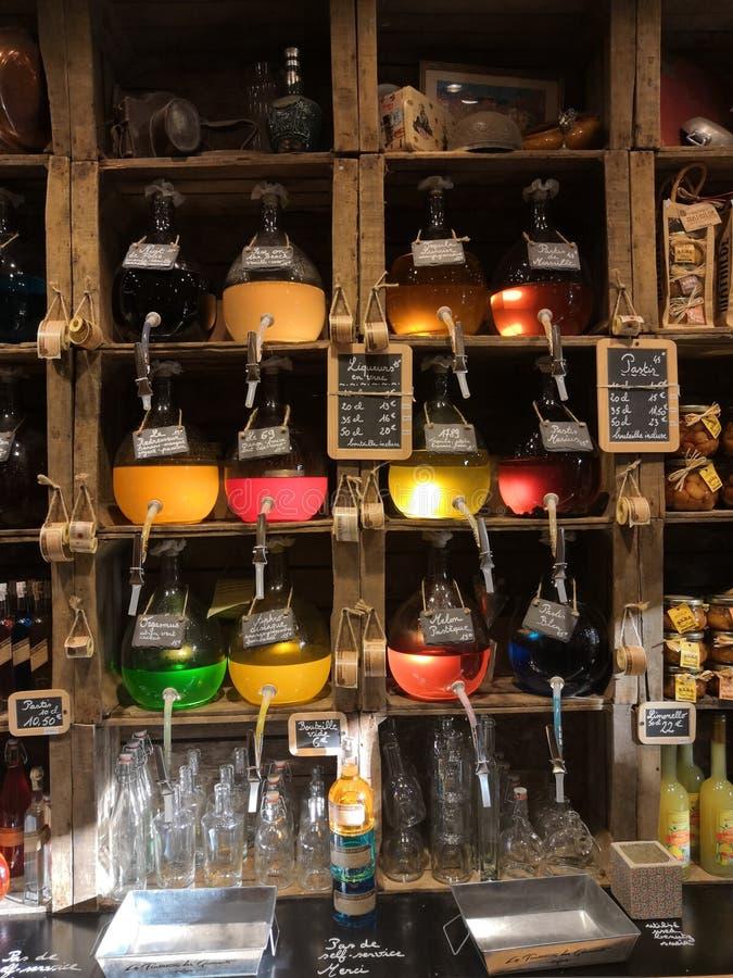 Зелья на местном artisanal магазине стоковая фотография