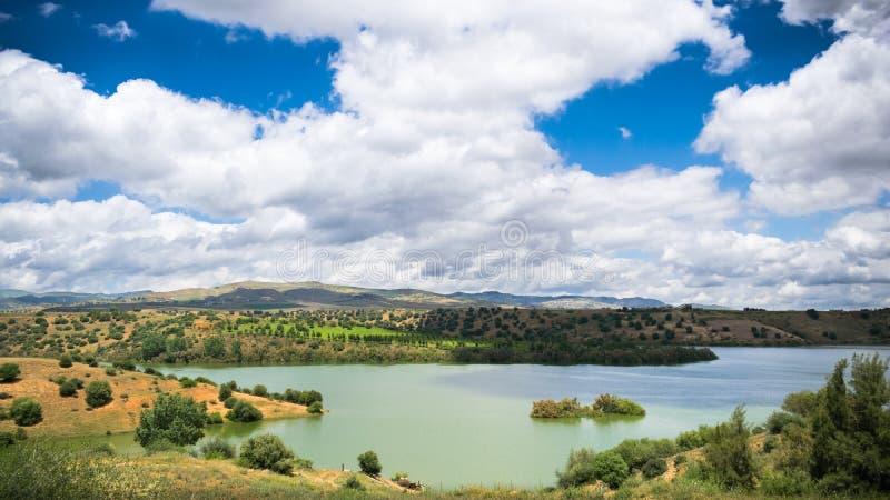 Земля, вода, облака и небо Алжира стоковое фото rf
