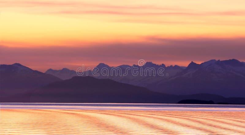 Земля полуночного Солнца стоковое фото rf
