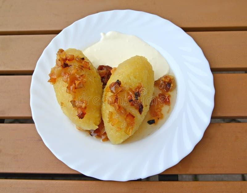Зеппелины - традиционное литовское блюдо Питание стоковые фото