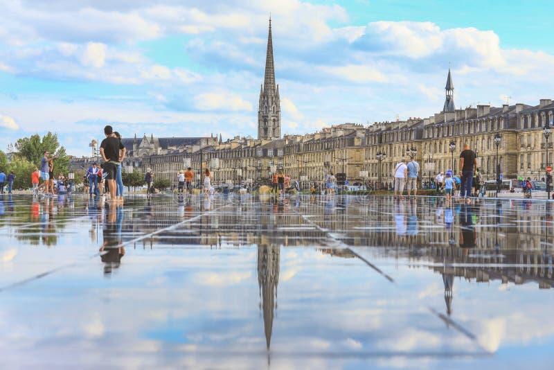 Зеркало воды Бордо в Франции стоковое фото