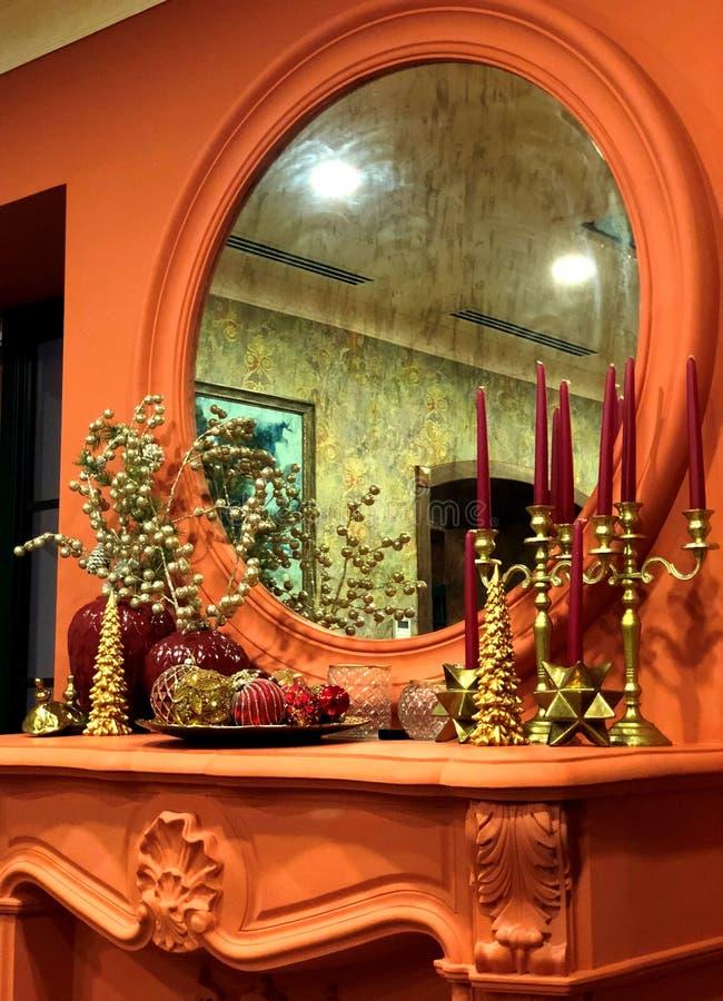 зеркало свечки Красивейшее изображение стоковые фотографии rf
