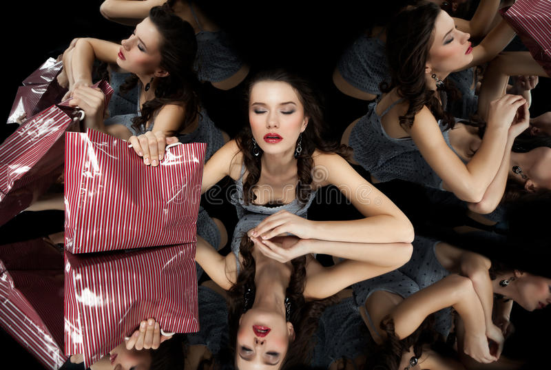 зеркало kaleidoscope девушки брюнет стоковые изображения rf