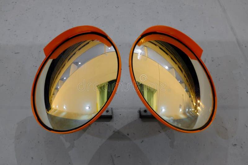 Зеркала безопасности выпуклые стоковое фото