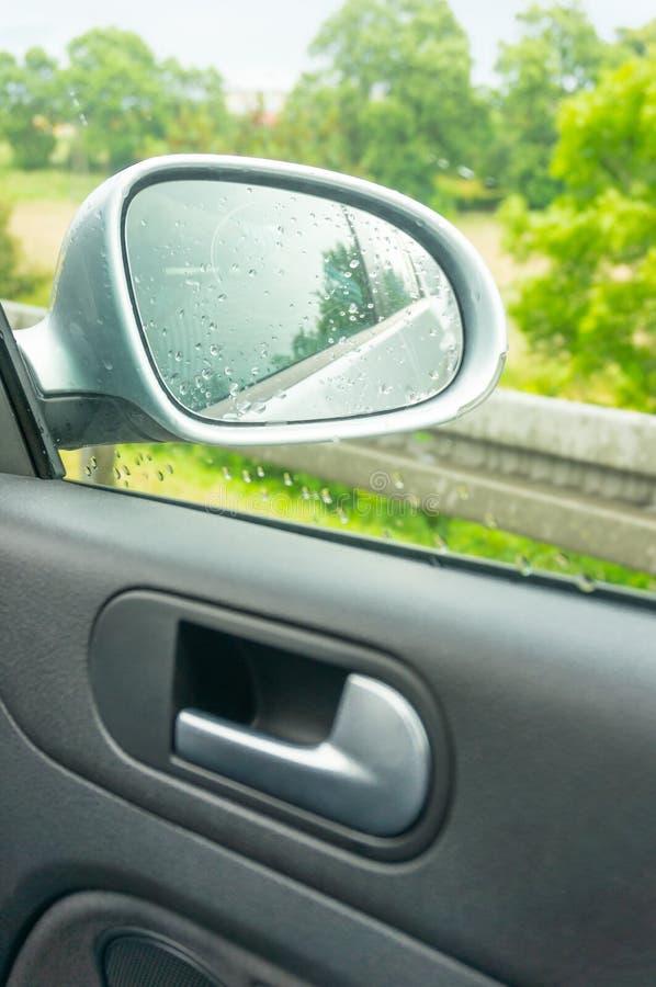 Download Зеркало автомобиля стоковое фото. изображение насчитывающей конец - 41659858