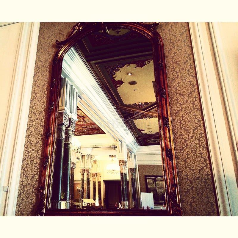 Зеркало в дворце Ciragan стоковые изображения rf