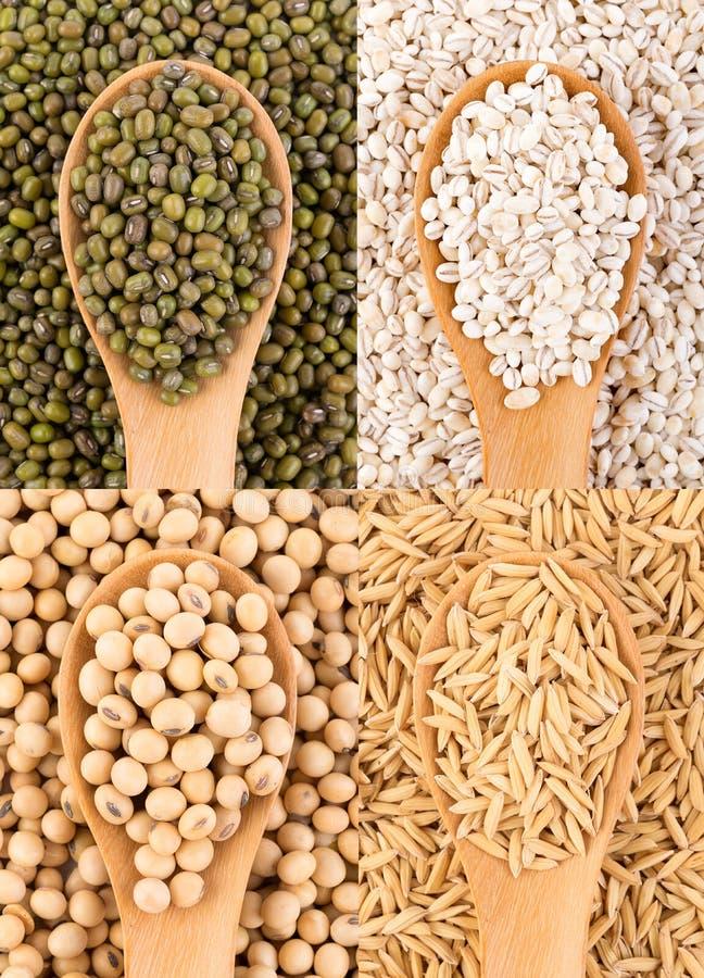 Зерна на предпосылке ложки еда вареников предпосылки много мясо очень стоковое изображение rf