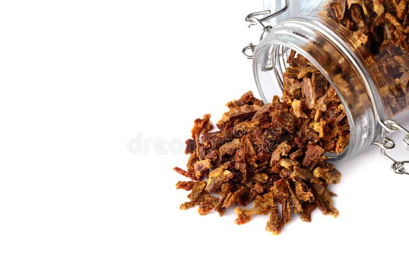 Зерна прополиса разбросаны от стеклянного опарника Клей пчелы Продукты пчелы Apitherapy стоковое фото rf
