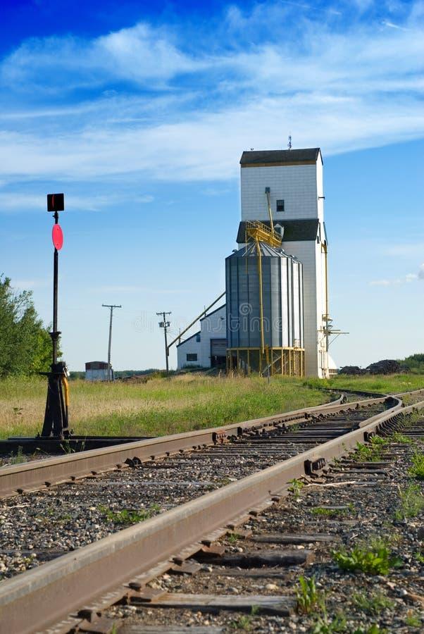 зерно лифта стоковая фотография
