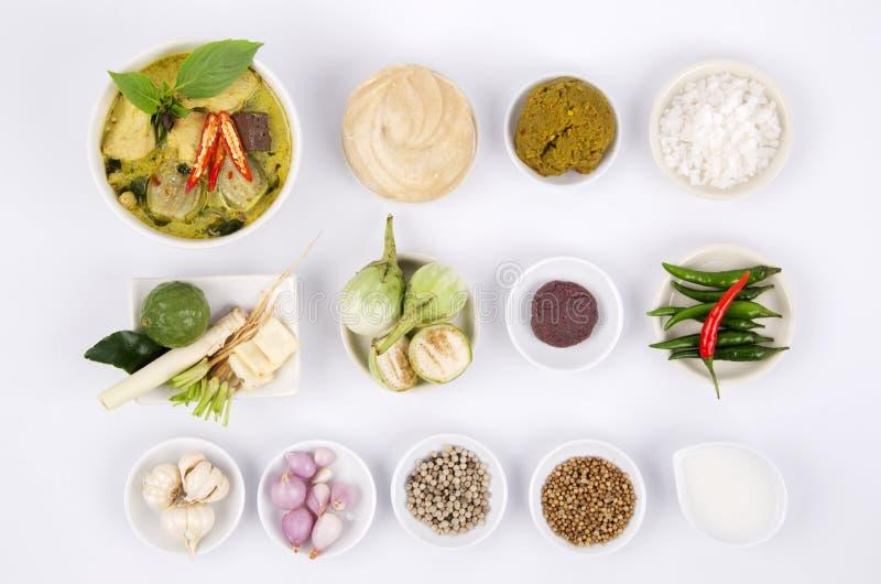 Зеленое карри с рецептами цыпленка (едой Таиланд) стоковые изображения